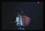 Renaud a l'accordeon durant son concert au Zenith, Paris. (1984 ou 1985).