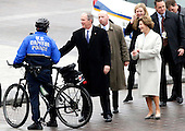 Former President of the United States George W. Bush greets Capitol Police when he and wife Laura Bush arrive near the east front steps of the Capitol Building before President-elect Donald Trump is sworn in at the 58th Presidential Inauguration on Capitol Hill in Washington, D.C. on January 20, 2017.  <br /> Credit: John Angelillo / Pool via CNP