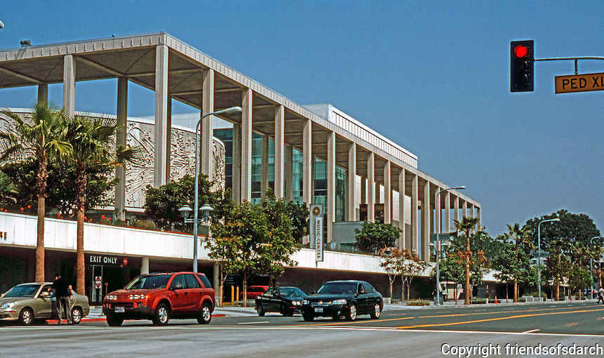 Los Angeles: Los Angeles Performing Arts Center, Mark Taper Forum. Welton Beckett, 1964-69.