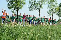 WANDELEN: JOURE: 19-05-2014, Avondvierdaagse, CBS It Haskerfjild Skoalle, ©foto Martin de Jong