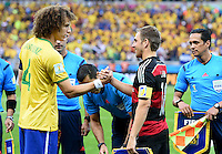 FUSSBALL WM 2014                HALBFINALE Brasilien - Deutschland          08.07.2014 David Luiz (li, Brasilien) und Philipp Lahm (re, Deutschland)