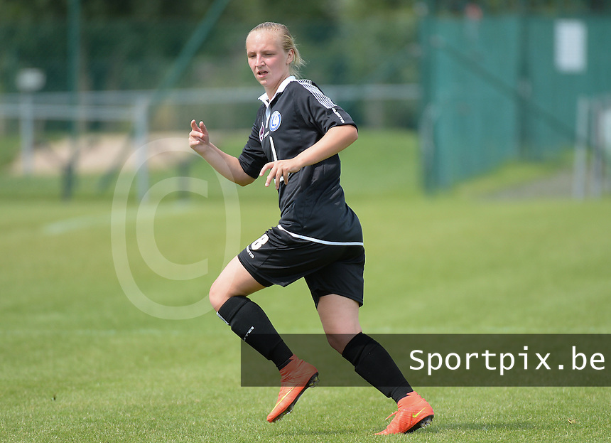 20150801 - WESTKAPELLE , BELGIUM : Gent's Inne De Smet pictured during a friendly soccer match with the women team of AA Gent Ladies , during the preparation for the 2015-2016 SUPERLEAGUE season, Saturday 1 August 2015 . PHOTO DAVID CATRY