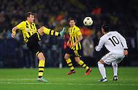 FUSSBALL   CHAMPIONS LEAGUE   SAISON 2012/2013   GRUPPENPHASE   Borussia Dortmund - Real Madrid                                 24.10.2012 Kevin Grosskreutz (li, Borussia Dortmund) gegen Mesut Oezil (re, Real Madrid)