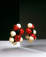 CHIRALITY: MOLECULAR MODEL &amp; ITS MIRROR IMAGE<br />
