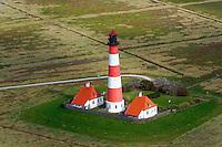 Leuchtturm Westerhever: EUROPA, DEUTSCHLAND, SCHLESWIG-HOLSTEIN, (EUROPE, GERMANY), 29.09.2010:Der Leuchtturm Westerheversand ist ein See-, Quermarken- und Leitfeuer. Die Feuerhoehe betraegt 41 Meter, die Bauwerkshoehe 40 Meter. Die Tragweite des Lichts ist rund 21 Seemeilen (etwa 39 Kilometer). Die indirekte Sichtbarkeit des Lichtscheins betraegt bis ueber 55 Kilometer. Bei klarer Sicht ist er noch auf Helgoland auszumachen.