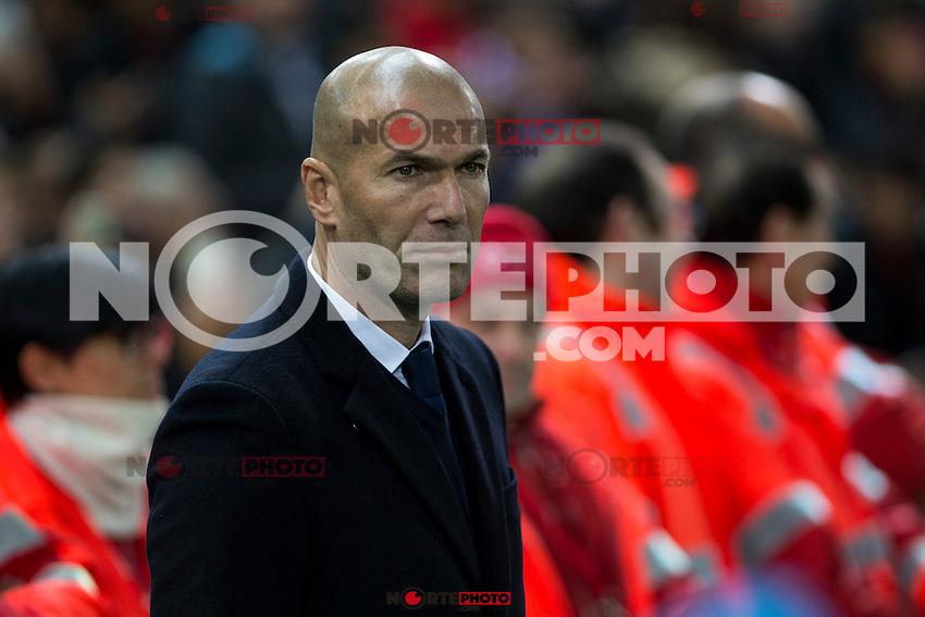 Real Madrid's coach Zinedine Zidane during the match of La Liga between Atletico de Madrid and Real Madrid at Vicente Calderon Stadium  in Madrid , Spain. November 19, 2016. (ALTERPHOTOS/Rodrigo Jimenez) /NORTEPHOTO.COM
