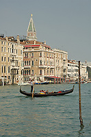 Le Grand Canal. (Venise, Octobre 2006)