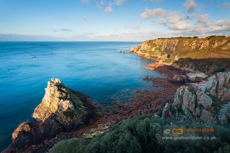 Landscape Boulders South Jersey : The rocks of fiquet bay on south coast jersey channel islands