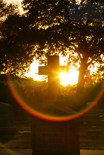 Cross in Cedar Grove Cemetery