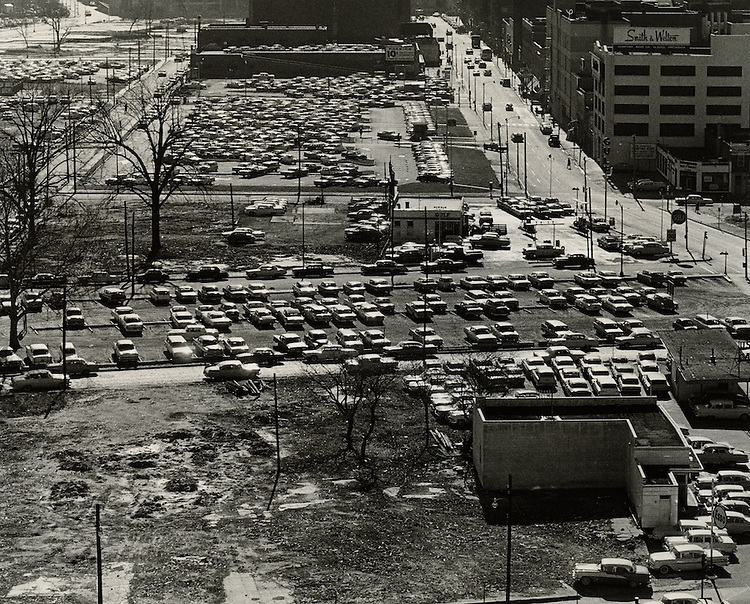 1963 January 28..Redevelopment.Downtown North (R-8)..View South down Monticello?...NEG#.NRHA# 1005..