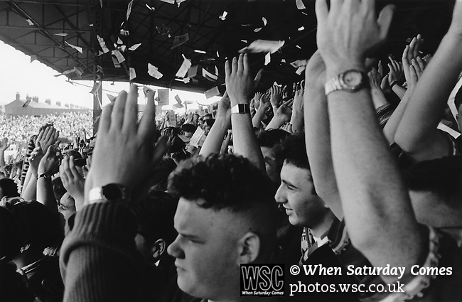 Fans throwing paper to welcome the teams onto the pitch, Boro v Liverpool, 13th March 1993, final score 1-2. Photo by Paul Thompson