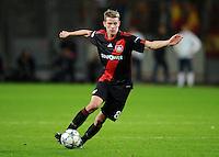 FUSSBALL   CHAMPIONS LEAGUE   SAISON 2011/2012  Bayer 04 Leverkusen - FC Valencia           19.10.2011 Lars BENDER (Bayer 04 Leverkusen) Einzelaktion am Ball