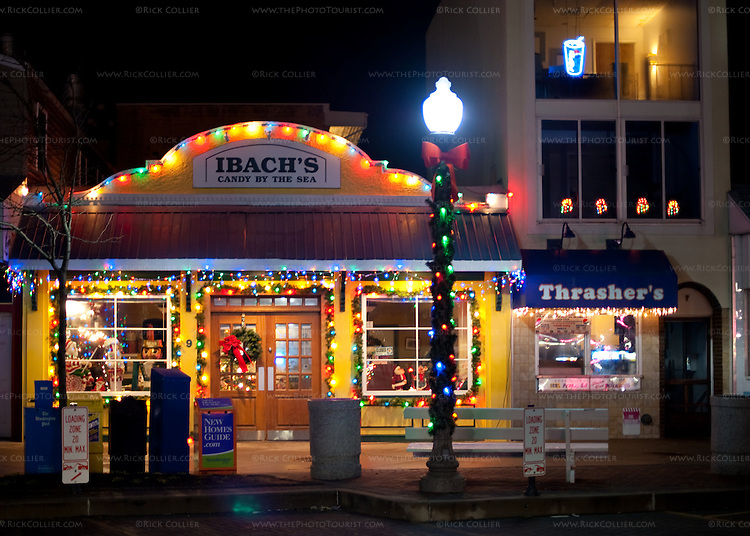 The town of Rehoboth Beach, Delaware, USA, decorates for Christmas every year with lights along the main street and the boardwalk, and with floating Christmas trees in Silver Lake.