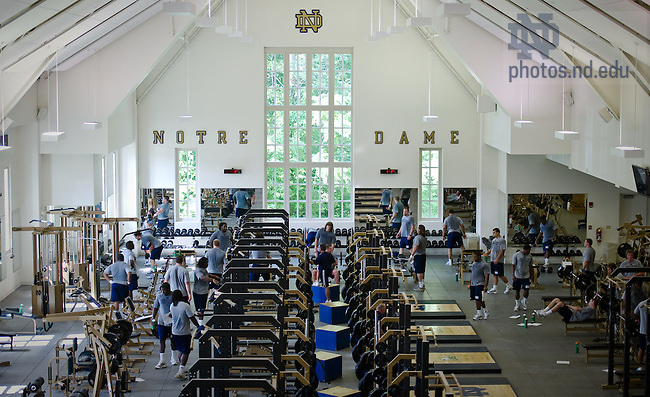 Football weight training in the Guglielmino Athletic Complex weight room...Photo by Matt Cashore/University of Notre Dame