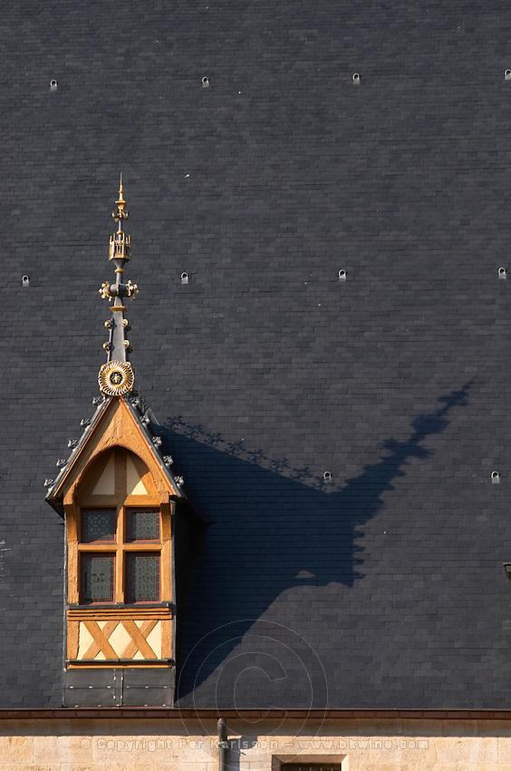 roof detail hospices de beaune hotel dieu beaune cote de beaune burgundy france