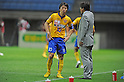 (L-R)  Ryang Yong-Gi,  Makoto Teguramori (Vegalta),JULY 23, 2011 - Football / Soccer :Ryang Yong-Gi of Vegalta Sendai receives instructions from head coach Makoto Teguramori during the 2011 J.League Division 1 match between Vegalta Sendai 0-1 Omiya Ardija at Yurtec Stadium Sendai in Miyagi, Japan. (Photo by AFLO)