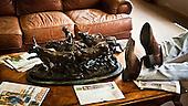 Dodge City, Kansas, USA, August 2011:.Man at the lounge waiting for cattle auction. Large percentage of population of this region is raising cattle and working in beef industry..(Photo by Piotr Malecki / Napo Images)..Dodge City, Kansas, Stany Zjednoczone, Sierpien 2011:.Hodowca w poczekalni czeka na aukcje bydla. Duza czesc mieszkancow tego rejonu zajmuje sie hodowla bydla lub pracuje w przemysle miesnym..Fot: Piotr Malecki / Napo Images.