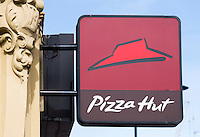 Pizza Hut Restaurant Sign - Aug 2013.