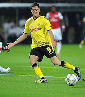 FUSSBALL   CHAMPIONS LEAGUE   SAISON 2011/2012  Borussia Dortmund - Arsenal London        13.09.2001 Robert LEWANDOWSKI (Borussia Dortmund) Einzelaktion am Ball