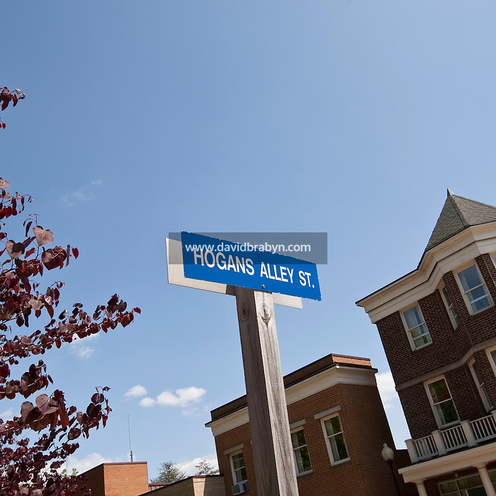 View of a street sign indicating Hogan's Alley street, a tactical training facility designed to provide a realistic urban setting for training agents, at the FBI National Academy in Quantico, VA, USA, 12 May 2009.