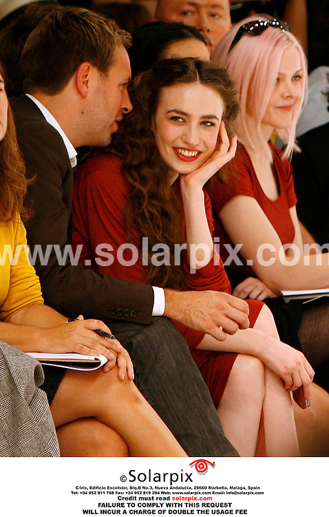 ALL ROUND PICTURES BY SOLARPIX.COM. .Elizabeth Jagger attends the Gareth Pugh Show at London Fashion Week. JOB REF:2816-PRS..MUST CREDIT SOLARPIX.COM OR DOUBLE FEE WILL BE CHARGED.....