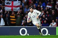 Elliot Daly of England runs in a second half try. RBS Six Nations match between England and Italy on February 26, 2017 at Twickenham Stadium in London, England. Photo by: Patrick Khachfe / Onside Images