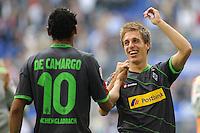 FUSSBALL   1. BUNDESLIGA   SAISON 2011/2012    6. SPIELTAG Hamburger SV - Borussia Moenchengladbach            17.09.2011 Igor DE CAMARGO (li) und Patrick HERRMANN (re, beide Moenchengladbach) jubeln