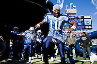 NASHVILLE, TN - DECEMBER 21:   Vince Young #10 of the Tennessee Titans gets pumped up before a game against the Pittsburgh Steelers at LP Field on December 21, 2008 in Nashville, Tennessee.  The Titans defeated the Steelers 34-14.  (Photo by Wesley Hitt/Getty Images) *** Local Caption *** Vince Young
