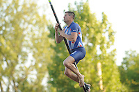 FIERLJEPPEN: BURGUM: 07-06-2013, Nationale competitie fierljeppen, Bart Helmholt, ©foto Martin de Jong