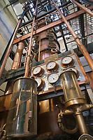 France/DOM/Martinique/ Saint-Pierre:  Distillerie Neisson -Rhum AOC de la Martinique - la colonne de distillation