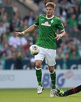 FUSSBALL   1. BUNDESLIGA   SAISON 2013/2014   2. SPIELTAG SV Werder Bremen - FC Augsburg       11.08.2013 Sebastian Proedl (SV Werder Bremen) am Ball