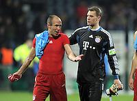 Fussball DFB Pokal:  Saison   2011/2012  Achtelfinale  20.12.2011 VfL Bochum - FC Bayern Muenchen  Arjen Robben, Torwart Manuel Neuer (v. li., FC Bayern Muenchen)