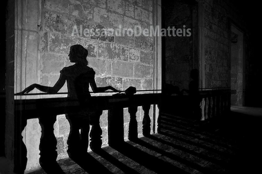 Ombre su palazzo Risolo - Modella Paola - 11 agosto 2012