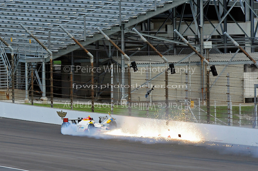 10-18 May 2008, Indianapolis,Indiana USA.Mario Dominguez (#96) Crash, 5-18-2008: After a 1st. lap quick enough to make the field, Mario Dominguez loses the back end of the car in turn one, spins 90 degrees and backs into the outside wall to end the final attempt (his or anyone's) to make the field..©2008 F.Peirce Williams USA.