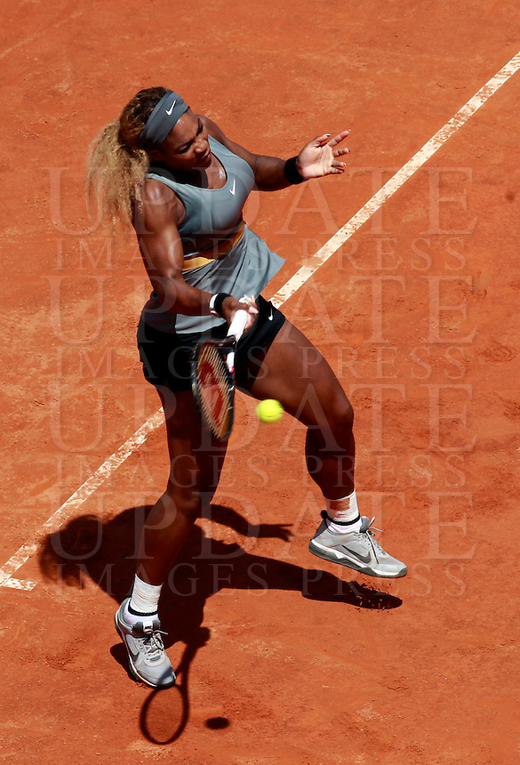 La statunitense Serena Williams in azione durante la finale femminile degli Internazionali d'Italia di tennis a Roma, 18 maggio 2014.<br /> United States' Serena Williams in action during the women's final match of the Italian open tennis tournament, in Rome, 18 May 2014.<br /> UPDATE IMAGES PRESS/Isabella Bonotto