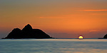 Fireball emerges from horizon between Mokulua Islands
