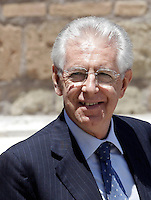 Il Presidente del Consiglio Mario Monti sorride al suo arrivo al Vertice Quadrilaterale fra Italia, Spagna, Francia e Germania, a Villa Madama, Roma, 22 giugno 2012..Italian Premier Mario Monti smiles as he arrives for the Quadrilateral Summit among Italy, Spain, France and Germany, at Villa Madama, Rome, 22 june 2012..UPDATE IMAGES PRESS/Riccardo De Luca