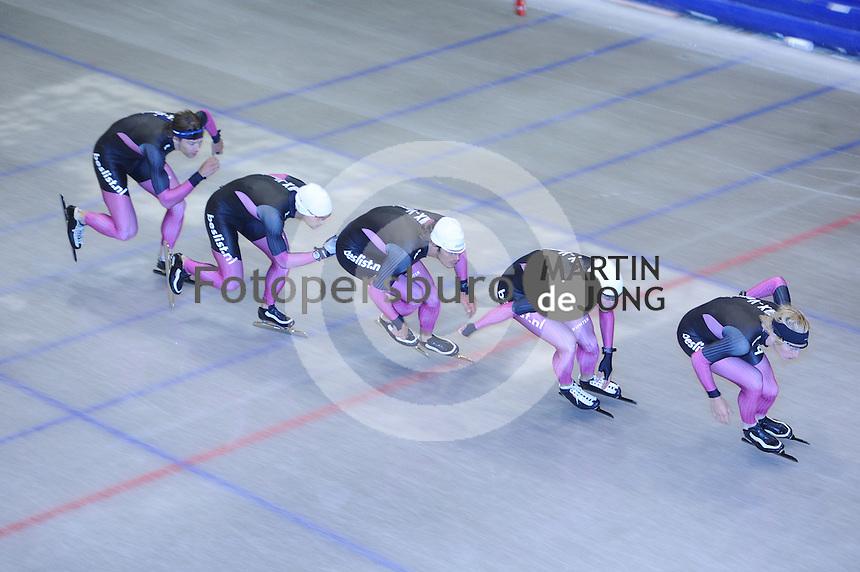 SCHAATSEN: HEERENVEEN: Thialf, 22-06-2012, Zomerijs, Team Beslist.nl, trainer Gerard van Velde, Jesper Hospes, Hein Otterspeer, Mark Tuitert, Sjoerd de Vries, ©foto Martin de Jong