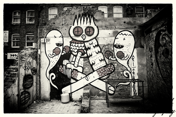 Street art by Kid Acne & Dscreet, Shoreditch, East London