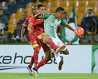 MEDELLIN-COLOMBIA- 12-02-2017. Acción de juego entre el  Atlético Nacional y   Rionegro  durante encuentro  por la fecha 3 de la Liga Aguila I 2017 disputado en el estadio Atanasio Girardot./ Action game between  Atletico Nacional and  Rionegro during match for the date 3 of the Aguila League I 2017 played at Atanasio Girardot stadium . Photo:VizzorImage / León Monsalve / Contribuidor