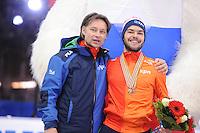 "SHORT TRACK: MOSCOW: Speed Skating Centre ""Krylatskoe"", 15-03-2015, ISU World Short Track Speed Skating Championships 2015, Jeroen Otter (coach NED), World Champion Sjinkie KNEGT (NED), ©photo Martin de Jong"