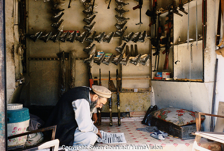 Newly made Pakistani gun's and Kalashnikovs in a Darra shop. Darra town in Pakistan clandestinely provides arms to more than eight Central Asian countries.