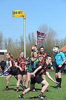 KORFBAL: REDUZUM: Sportpark Reduzum, 28-04-2013, Veld Hoofdklasse A, KV Mid Fryslân-LDODK AH Gorredijk, Eindstand 13-19, Sjieuwke v.d. Veen (#2 | MF), Jildou Slagmann (#4 | LDODK), Timo Rouam-Sim (#20 | MF), Sjoerd Pool (#17 | MF),  ©foto Martin de Jong