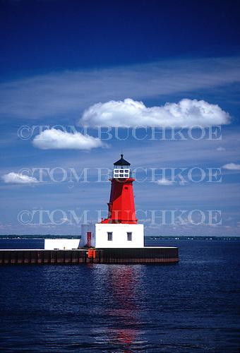 Menominee Pierhead lighthouse on Lake Michigan in the Upper Peninsula of Michigan.