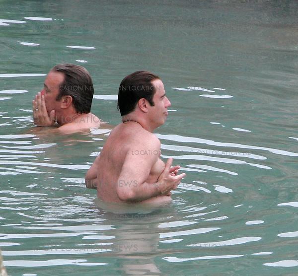 John travolta schwuler Sex