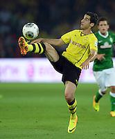 FUSSBALL  1. BUNDESLIGA  SAISON 2013/2014   3. SPIELTAG Borussia Dortmund - Werder Bremen                  23.08.2013 Henrikh Mkhitaryan (Borussia Dortmund) Einzelaktion am Ball