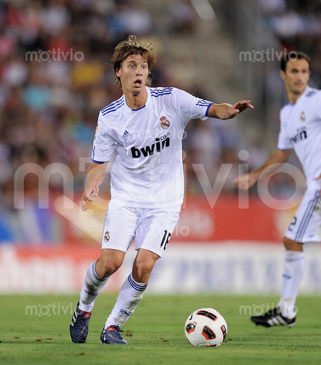 FUSSBALL  INTERNATIONAL  PRIMERA DIVISION  SAISON 2010/2011   29.08.2010 1. Spieltag RCD Mallorca - Real Madrid Sergio CANALES (Real Madrid) am Ball