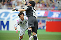 Yohei Toyoda (Sagan), Shuichi Gonda (FC Tokyo),.MAY 20, 2012 - Football / Soccer :.Yohei Toyoda of Sagan Tosu scores his team's second goal past goalkeeper Shuichi Gonda of F.C.Tokyo during the 2012 J.League Division 1 match between F.C.Tokyo 3-2 Sagan Tosu at Ajinomoto Stadium in Tokyo, Japan. (Photo by Hitoshi Mochizuki/AFLO)