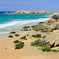 France, Brittany, Département Morbihan, Quiberon peninsula: beach and The Wild Coast | Frankreich, Bretagne, Département Morbihan, Quiberon Halbinsel: mit Strand und der Côte Sauvage