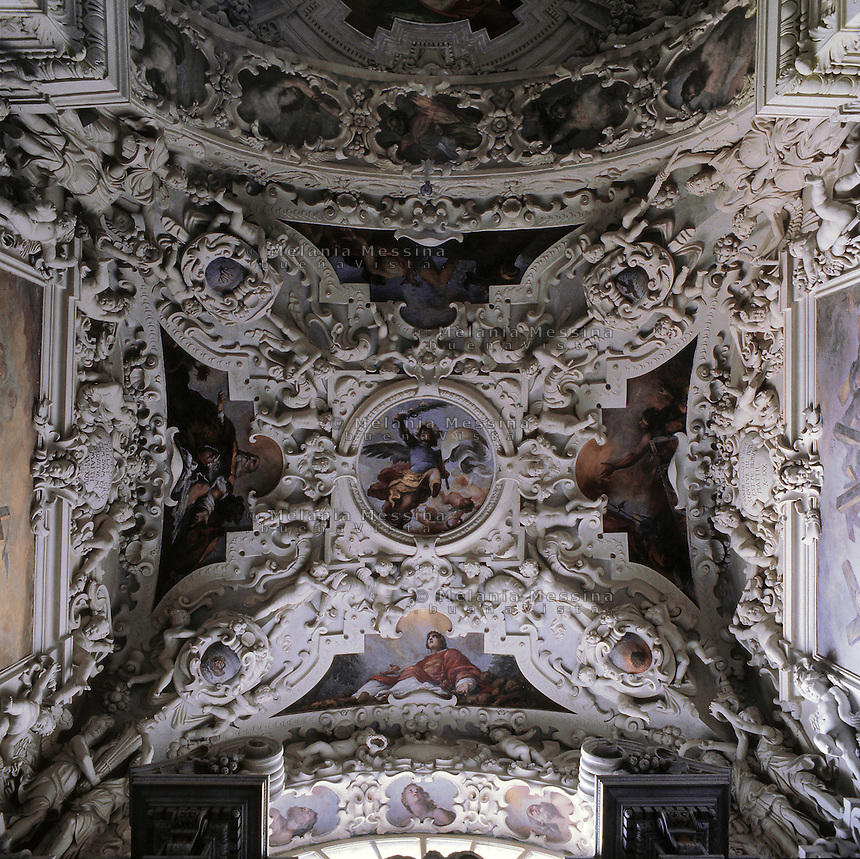 Palermo, &quot;Del Gesu'&quot; church, baroque art, vault of one of the chapels.<br /> Palermo, chiesa del Gesu', arte barocca, la volta di una delle cappelle.